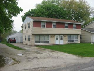 1114 11th St, Silvis, IL 61282