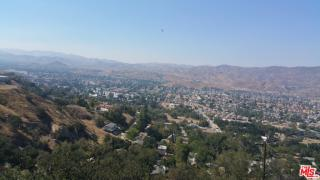 1020 Crown Hill Drive, Simi Valley CA