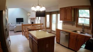 14150 Heather Ln, North Royalton, OH 44133