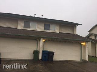 820 N 2nd St, Silverton, OR 97381