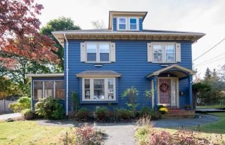 22 Brookhouse Dr, Marblehead, MA 01945