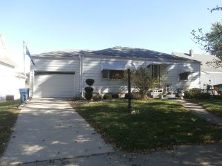 880 South 4th Avenue, Kankakee IL