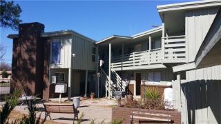 940 Cody Court, River Oaks TX