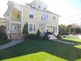 420 S Main St, Haverhill, MA 01835