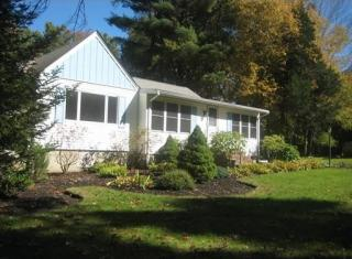 260 Lakeview St, Sharon, MA 02067