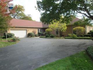 2119 Huntly, Inverness IL