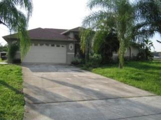 127 Zenith Cir, Fort Myers, FL 33913