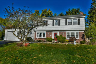 53 Canfield Lane, Aberdeen NJ