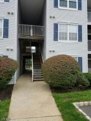 423 Stratford Pl, Bound Brook, NJ 08805