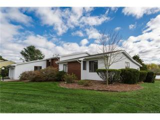 54 Twin Lakes Dr, Waterford, CT