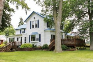 1386 County Road West, Stoughton WI