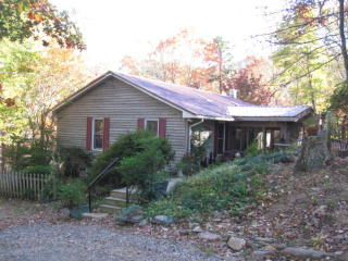 11 Chase Log Road, Stuart VA