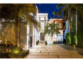 1374 South Venetian Way, Miami Beach FL