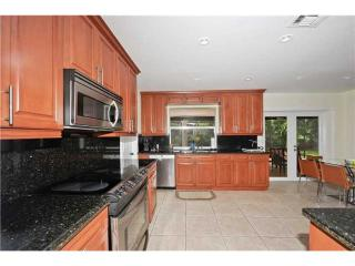 5900 SW 102nd St, Pinecrest, FL 33156