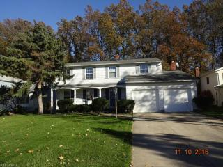 6039 Paisley Drive, North Olmsted OH