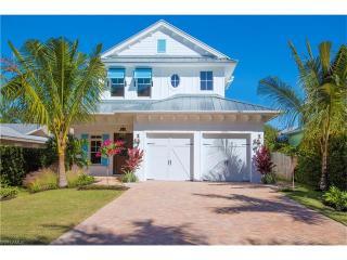 723 Myrtle Terrace, Naples FL