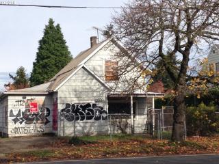 1327 North Rosa Parks Way, Portland OR