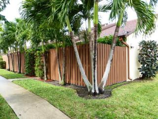 254 Springdale Circle, Palm Springs FL