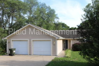 7303 Oak St, Pleasant Valley, MO 64068