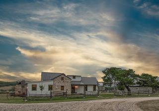 716 Arbor Ridge Road, Fredericksburg TX