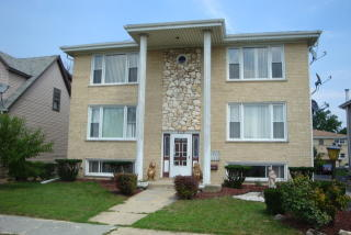 4549 Forest Ave #1N, Brookfield, IL 60513