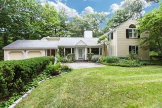 30 Corwood Dr, Weston, MA