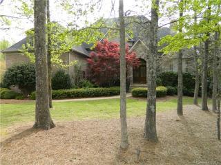6076 Foggy Glen Place, Matthews NC
