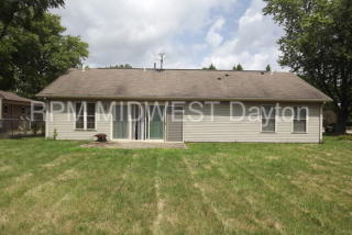 4713 Willowview Dr, Moraine, OH 45439