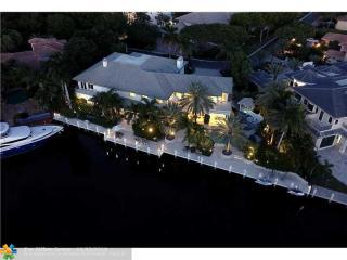 11 Bay Colony Lane, Fort Lauderdale FL