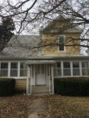 111 S 10th St, Petersburg, IL 62675