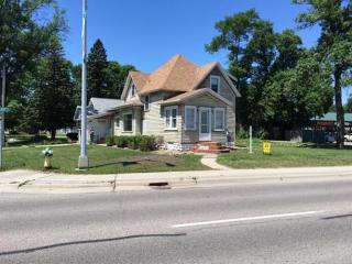 824 1st St S, Willmar, MN 56201
