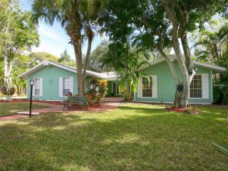 5167 Dewey Place, Sarasota FL