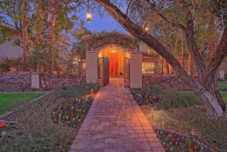 5995 East Orange Blossom Lane, Phoenix AZ