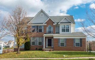 692 Silver Maple Circle, Seven Valleys PA