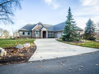 2815 Ambleside Way, Fort Wayne IN