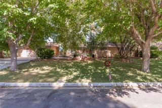 4202 West Pinecrest Circle, Las Vegas NV