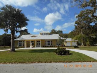 5106 Circled Oak Drive, Sarasota FL