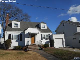 32 Williams St, Garfield, NJ 07026