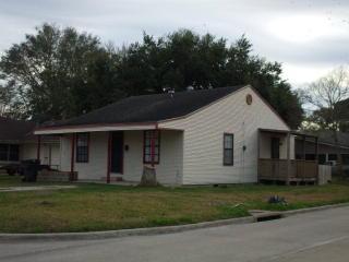 3949 Taft Avenue, Groves TX