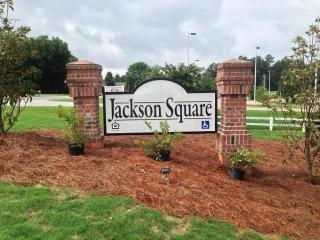 100 Jackson Square Dr, Lexington, NC 27295