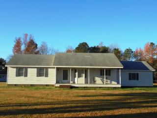 1049 Halls Creek Rd, Elizabeth City, NC 27909