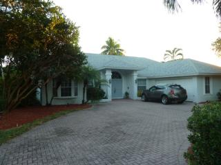 35 Timberland Circle North, Fort Myers FL