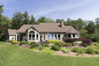 108 Manor Woods Court, Paupack PA