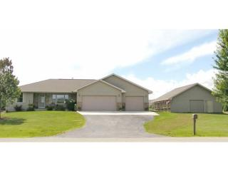 423 Glenview Way, Little Suamico WI