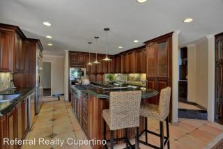 27210 Carrington Cir, Los Altos Hills, CA 94022