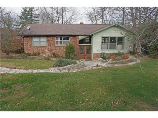 3864 West Wood Lake Lane, Columbus IN
