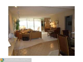 565 Oaks Lane #309, Pompano Beach FL