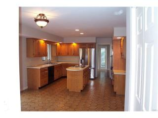 16 Lords Hwy, Weston, CT 06883