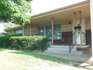 224 W Morningside Dr, Midwest City, OK 73110