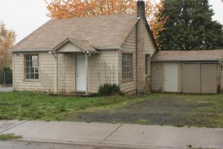 810 Johnson Ave, Cottage Grove, OR 97424